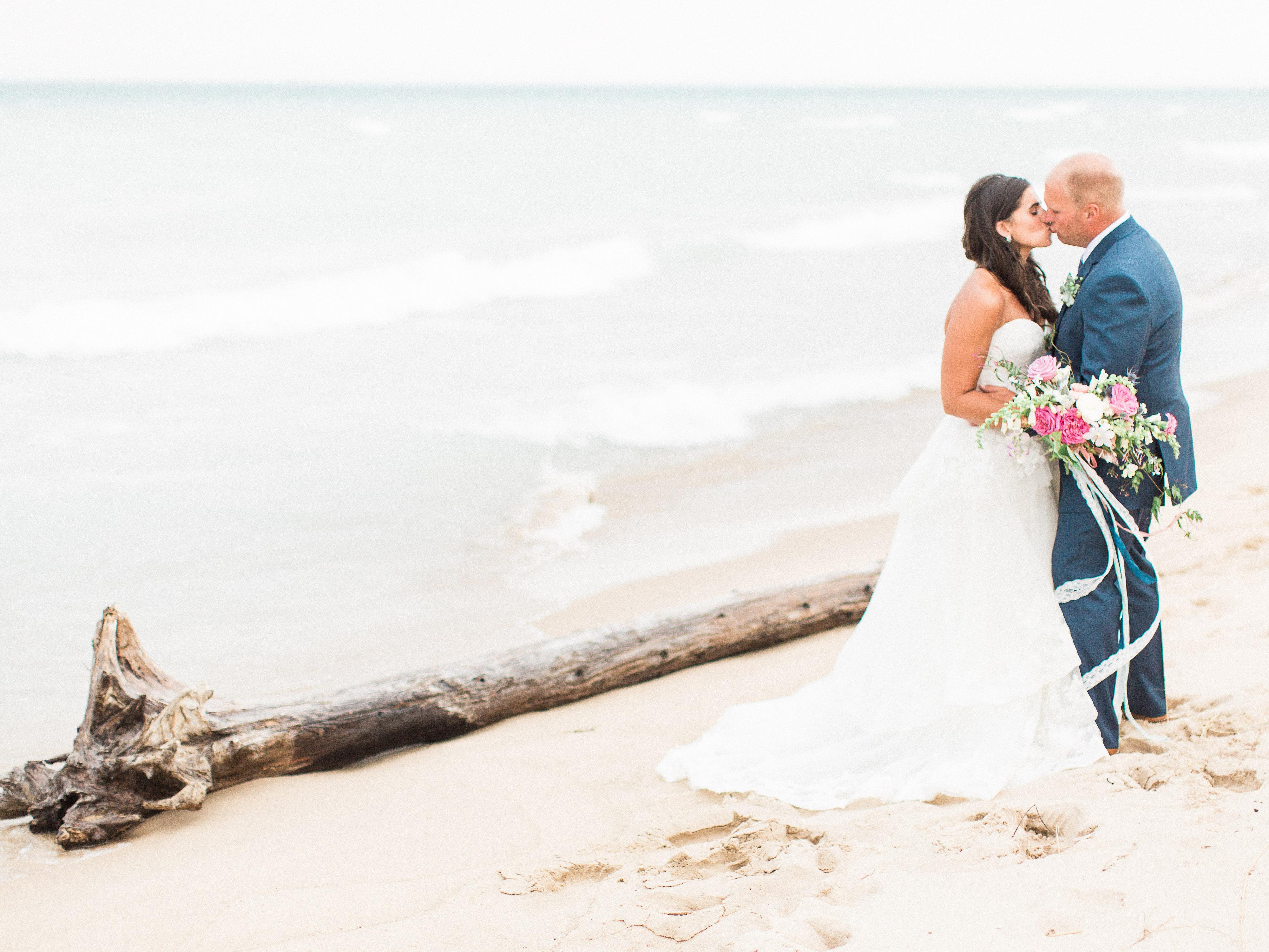 Real Weddings Instagram: Real Weddings :: Hallie & Eric